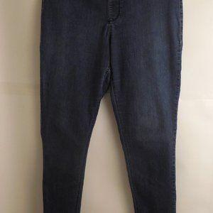 5253...Avenue Denim Jegging Jeans Size 18/20 Tall